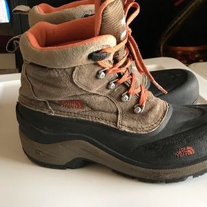 The North Face boys Garsons  Boots 7